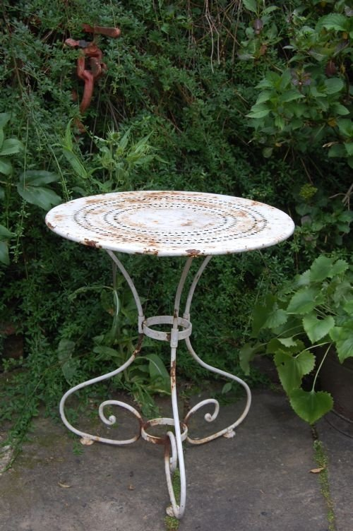 ANTIQUE FRENCH IRON GARDEN TABLE. SOLD - The UK's Largest Antiques Website